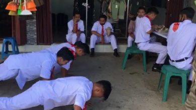 Photo of Tak Gunakan Masker, Belasan Pelajar Lombok Tengah di Hukum Sat Pol PP