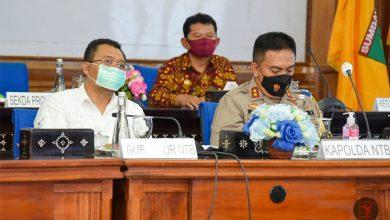 Photo of Mahfud MD Imbau Paslon Kada di NTB tak Abaikan Protokol Kesehatan dan Aturan