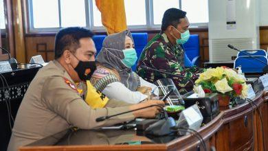 Photo of Mahfud MD Tegaskan Pilkada Tak Ditunda, Forkopimda NTB Langsung Rakor Pengamanan