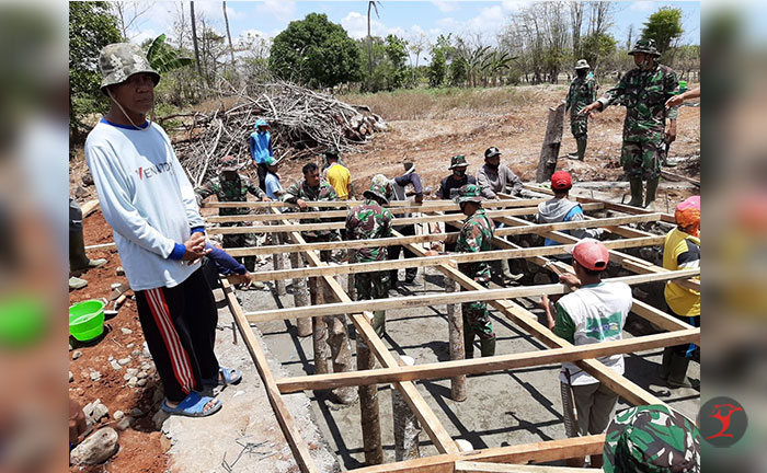 TNI Bangun Jembatan Akses Transportasi | Talikanews.com