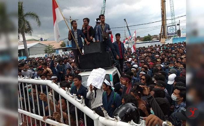 Ribuan Massa Tolak Omnibus Law | Talikanews.com