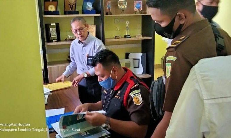 Kejari Loteng Geledah Dua Kantor BPR Unit Cabang   Talikanews.com