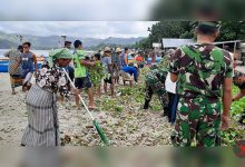 Photo of Kodim Loteng dan Warga Gelar Aksi Bersih Pantai Selong Belanak untuk Menjaga Ekowisata Laut