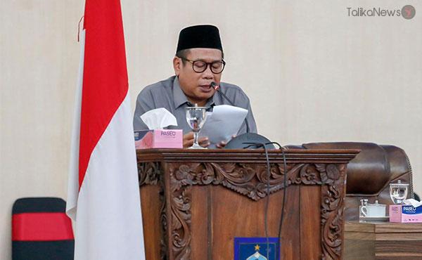 Bupati Lombok Tengah H Moh Suhaili FT   TalikaNews.com