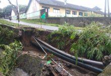 Photo of Hujan Deras, Dua Jalan Ambelas di Kecamatan Batukliang Utara