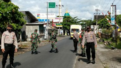 Photo of Cegah Klaster Baru di Pergantian Tahun, TNI-Polri Loteng Galakkan Operasi Yustisi