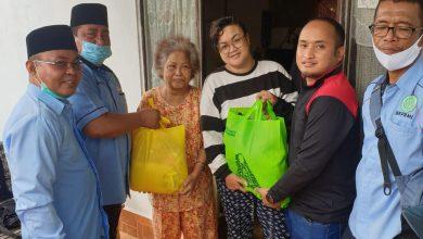 Photo of BKPRMI serahkan Bantuan dari Kabaharkam Polri untuk Ringankan Beban Korban Banjir Banjarmasin