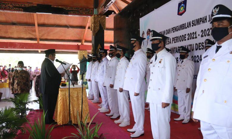 Bupati Loteng HM Suhaili FT Melantik 17 Kepala Desa
