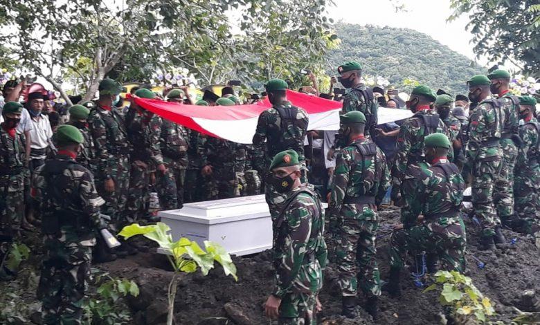 Upacara Pemakaman Militer Praka Dedi Hamdani