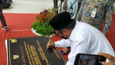 Photo of Diresmikan, Bupati Loteng Prioritaskan Pedagang Lama Menempati Pasar Renteng