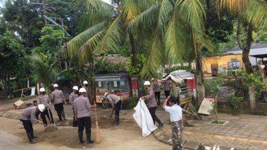 Photo of Dispar NTB bersama TNI – Polri Sasar Empat Zona Terdampar Banjir di Kawasan Kuta Mandalika