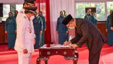 Photo of Enam Kepala Daerah Terpilih Dilantik, Gubernur NTB : Harus Siap Terima Kritikan di Medsos