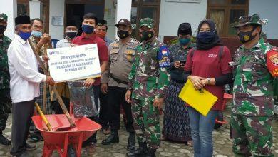 Photo of Gandeng BRI dan Jurnalis, Dandim 1620/Loteng Serahkan Bansos ke Korban Banjir