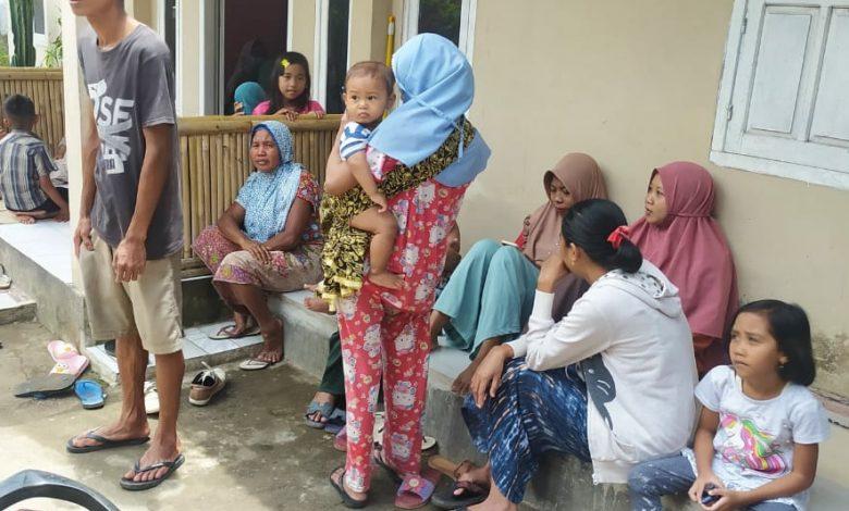 Belasan Warga Dusun Eyat Nyiur mengalami Sesak Nafas, Ada yang Lumpuh bahkan Meninggal Dunia