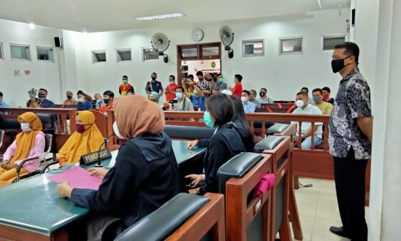 Sidang Ketiga di PN Praya, Pelapor Empat IRT Minta Maaf