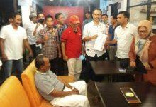 Photo of Aklamasi Samsul Qomar sebagai Ketua KONI Loteng Tak Penuhi Syarat, Chandra dan Hatibi akan Musorkab Luar Biasa