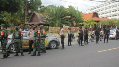 Photo of Pasca Bom Bunuh Diri di Gereja Katedral Makassar, TNI – Polri Loteng Jaga Ketat Sejumlah Gereja