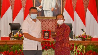 Photo of Gubernur NTB Teken PKS untuk Memajukan Daerah dengan Gubernur Bali