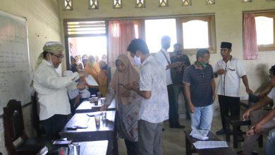 Photo of Komisi IV DPRD Loteng Bantu Kepala SDN I Jango Salurkan Sisa Dana PIP ke Wali Murid
