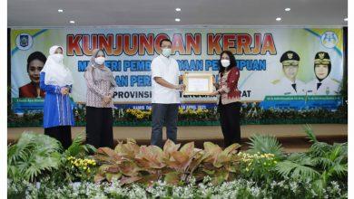 Photo of Penghargaan dari Menteri PPPA kepada Gubernur NTB Atas Perda Pencegahan Perkawinan Anak