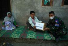 Photo of Guru Ngaji Disabilitas Terima Bantuan Sembakau Dan Mesin Air Dari Dandim Loteng