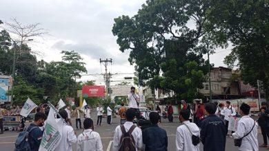 Photo of Hardiknas dan Hari Buruh 2021, KAMMI Gelar Aksi Simpatik Sosial yang belum Tertangani di Kota Mataram